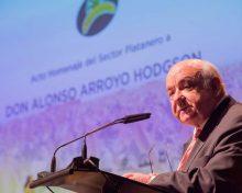 Los productores de plátano de Canarias homenajean al exconsejero Alonso Arroyo por su labor profesional a favor del sector primario