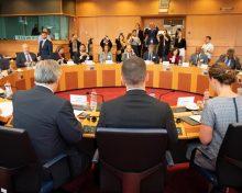 """Clavijo advierte que la Comisión Europea se encontrará con el rechazo al """"recorte del POSEI, PDR y FEMP"""""""